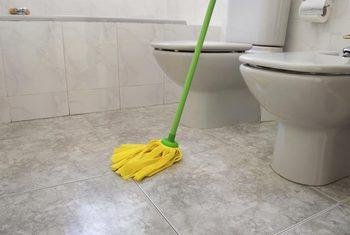 en guide till att rengöra badrum